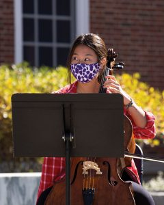 Photo showing how musicians followed pandemic-related protocol