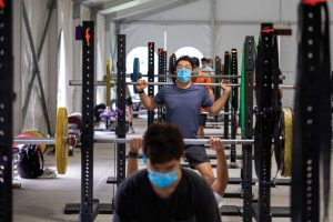 Photo showing the pandemic-related accommodations for weightlifting